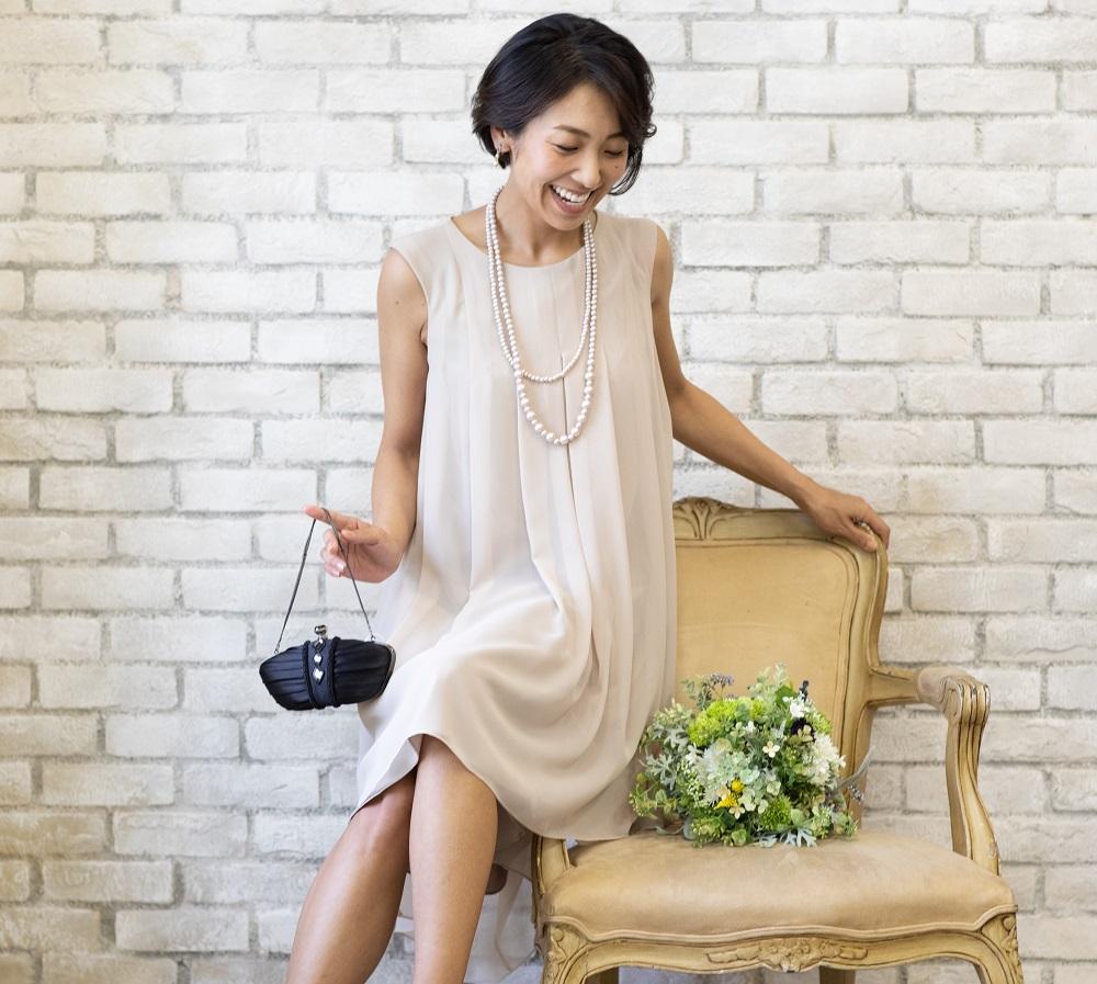 ドレスのカラーによってどんな風に印象が変わる? どんな肌色にどんな色が似合う?【ベージュ編】