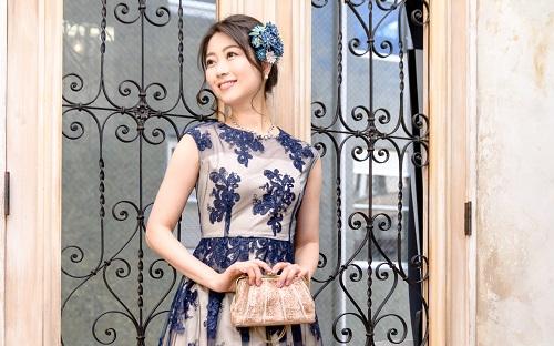 標準的な身長の人(155㎝~165㎝)にはどんなドレスが似合う?