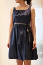 20,30代レンタルドレス ネイビーの上品裾バルーンドレス hp:6870