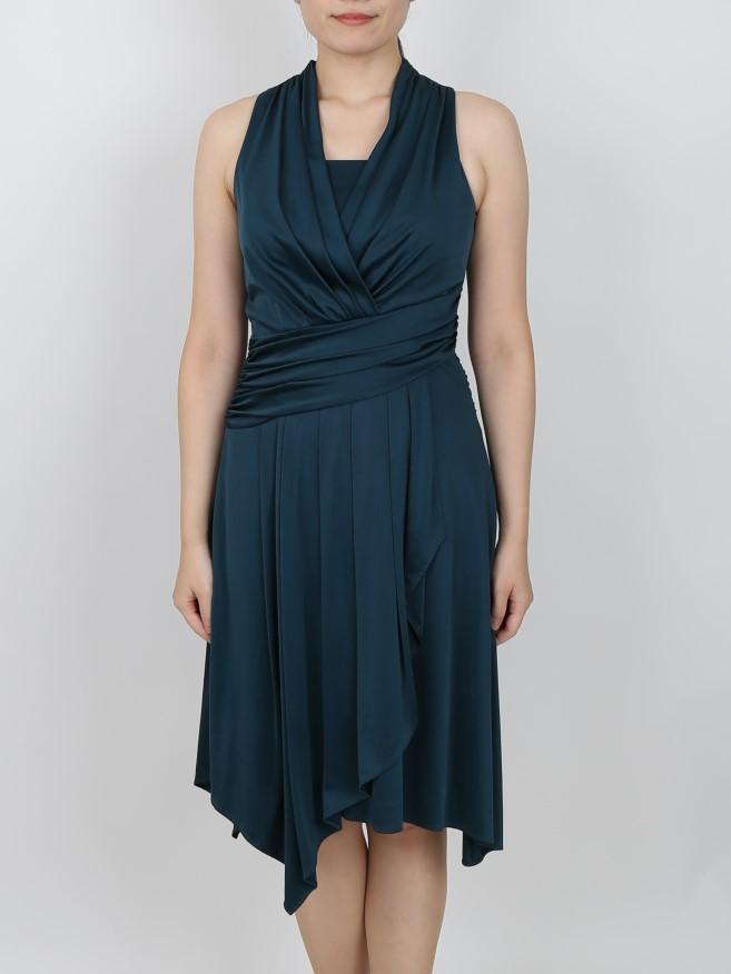 深緑カラーの艶感ドレープドレス
