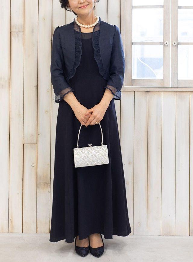 PREFERENCEの濃紺シフォンとオーガンジードレス