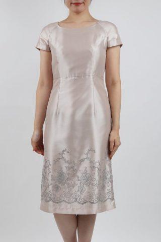 PREFERENCEのシャンパンゴールドのラメ刺繍ドレス