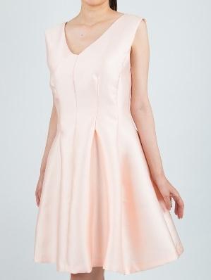 Versionのベビーピンク色シャンタンミニドレス