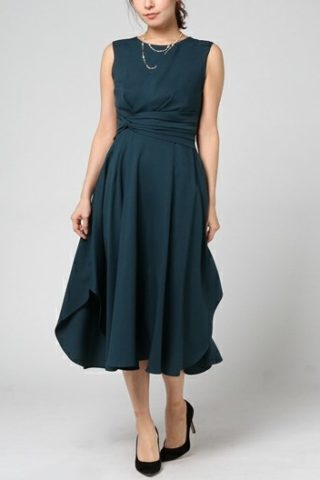 ドレープラインが上品なオトナドレス(グリーン)