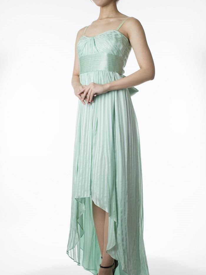 BCBGMAXAZRIAのライトグリーンフィッシュテールスカートドレス