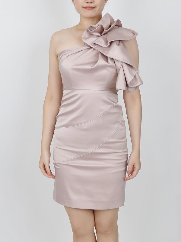 KAREN MILLENのワンショルダーピンクドレス