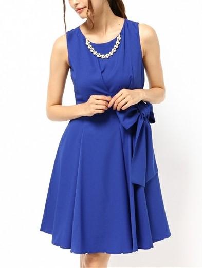 アクセ&裾パール付きウエスト絞りワンピースドレス(ブルー)