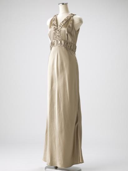 EPOCA(エポカ)のシャンパンゴールドシルクのタイトラインマキシ丈ドレス