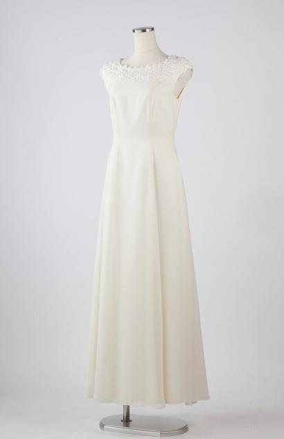 usiraボートネックのオフホワイトウエディングドレス