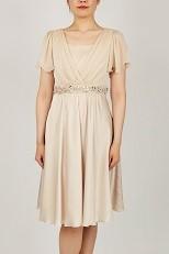 882e751e8f9ab She s(シーズ)ウエストビーズ刺繍の袖付きドレス(ベージュ)(0089) 切り返し部分のビジューがキラキラととても可愛いです。背中が編み上げになっている為、身体の  ...