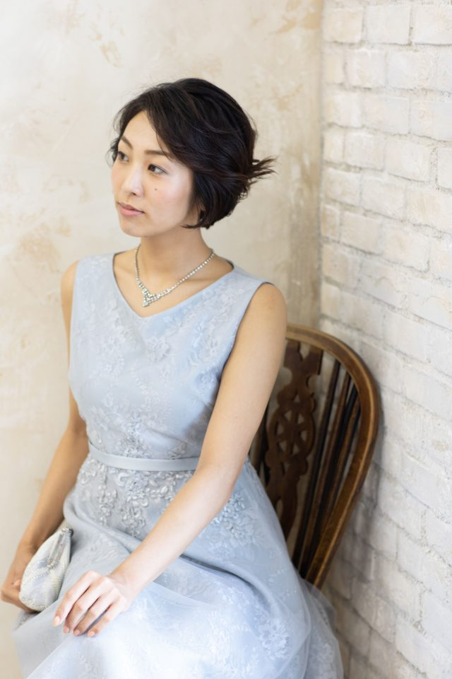 刺繍が可愛い編上げドレス