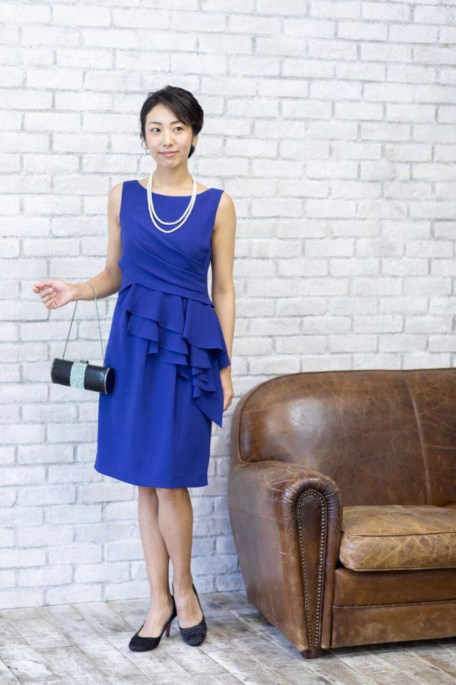 She`sのブライトブルー色タイトドレス