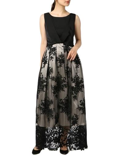 刺繍デザインがさわやかなアイビーモチーフのロングドレス(ブラック)