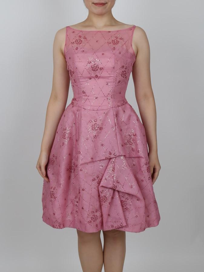 Wacoal(ワコール)ピンク色ボリュームバルーンドレス