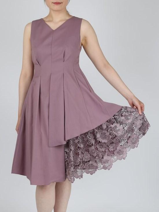裾のレースが華やかなVネックドレス(パープル)