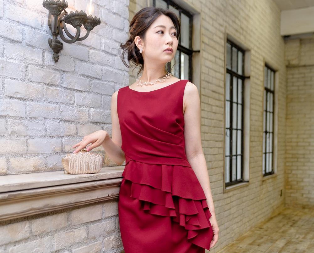 ドレスのカラーによってどんな風に印象が変わる? どんな肌色にどんな色が似合う?【レッド編】