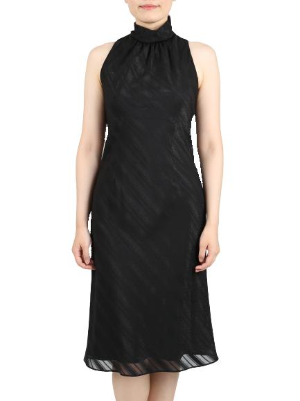 ブラックの斜めストライプドレス