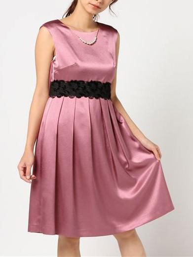 ブラックレースリボン&ネックレス付きサテン地ドレス(ラズベリー)