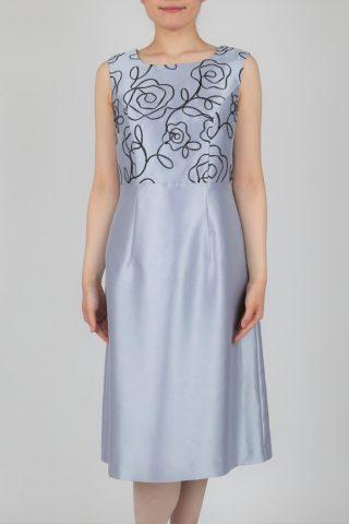 大振り花模様が個性的なロングドレス(シルバー)