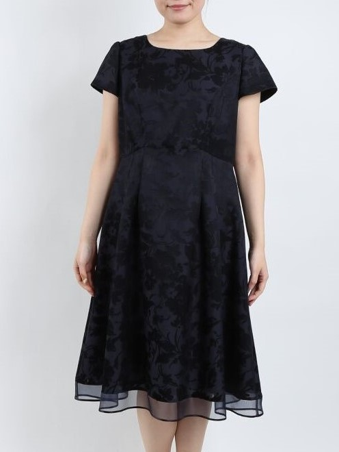 PREFERENCEの袖付ネイビーの花柄ジャガードロングドレス