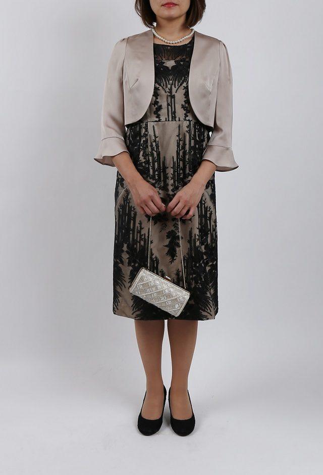 レース刺繍が豪華なタイトドレス(ブラック)