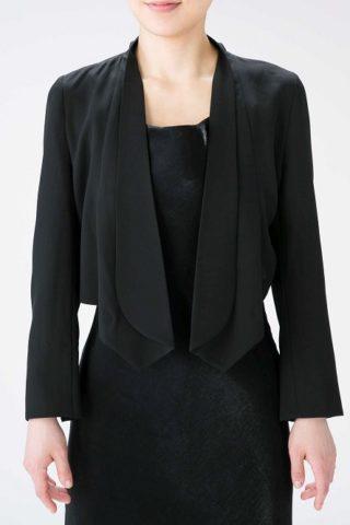 シンプル薄手ブラックジャケット
