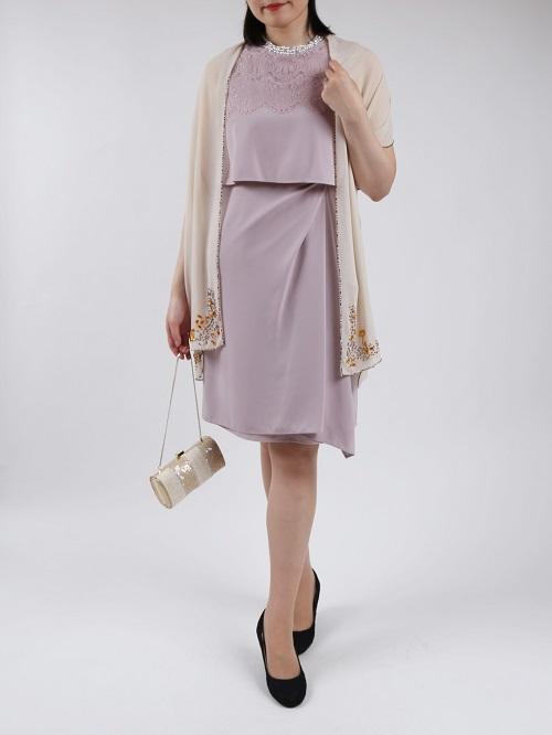 首元ビジューが華やかなタック入りノースリーブドレス(ピンク)